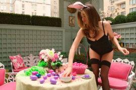 Miranda Kerr se convirtió en sexy conejita para video por pascua