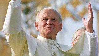 Juan Pablo II: homenaje a un hombre, Papa y santo extraordinario