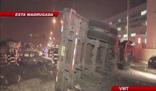 Volcadura de camión provocó triple choque en Villa María del Triunfo