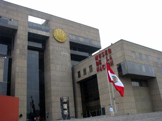 Restos de Óscar Avilés llegan al Museo de la Nación para ser velados