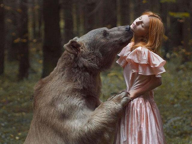 FOTOS: increíbles retratos de mujeres al lado de peligrosos animales salvajes
