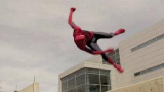 EEUU: 'Spiderman' muestra sus habilidades extremas en calles de Utah