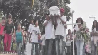 Sepultan restos de niña que fue arrollada por transporte pirata en VES