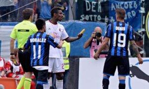 Italia: lanzan plátanos a Kevin Constant en partido entre Atalanta y Milan