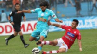 Con goles de Irven Ávila y Carlos Lobatón Cristal derrotó a Juan Aurich