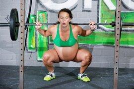 EEUU: mujer embarazada bate récord al alzar 97 Kilos dos días antes de dar a luz