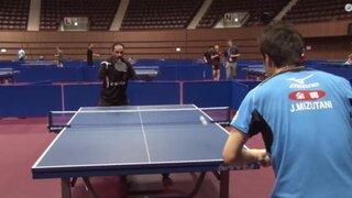 Hombre sin brazos asombra al mundo al jugar tenis de mesa con la boca