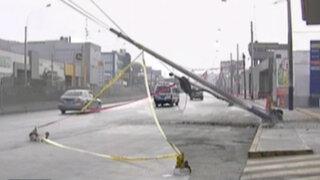WhatsApp: vecinos de Surquillo preocupados por postes a punto de caer