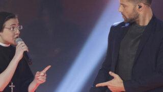 """VIDEO: Sor Cristina y Ricky Martín armaron la fiesta con """"La copa de la vida"""""""