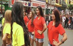 Bellas vendedoras encienden la fiebre mundialista en pleno corazón de Gamarra