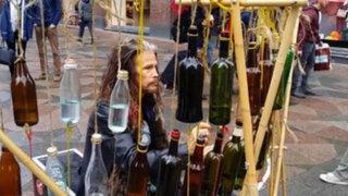 El vocalista de Aerosmith se hizo pasar por artista callejero en Finlandia