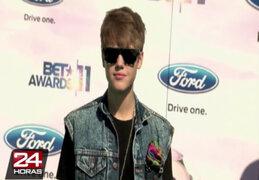 Cantante Justin Bieber causa polémica tras publicar fotografía semidesnudo