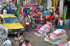 Registran que más de cinco mil ambulantes copan las calles del Centro de Lima