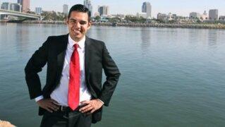 Inmigrante peruano abiertamente gay es elegido alcalde de ciudad en EEUU