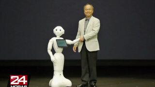 Pepper, el primer robot capaz de leer las emociones de los humanos