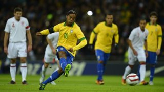 Los cinco mejores goles de Ronaldinho con la camiseta de Brasil