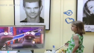 VIDEO: 'Hormigas' de la televisión incitan a niños a realizar terribles travesuras