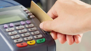 No abuse de las tarjetas de crédito: especialista brinda útiles consejos