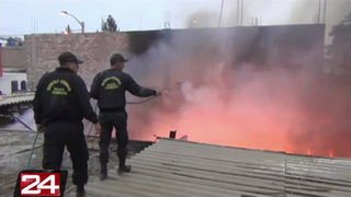 Mototaxi causó incendio de grandes proporciones en una vivienda de Chimbote