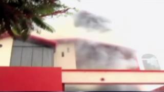 Corto circuito provocado por sobrecarga de celular causa incendio en La Molina