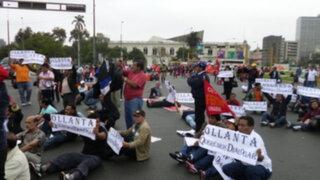 """Sindicatos amenazan con llevar """"Ley Servir"""" ante cortes internacionales"""