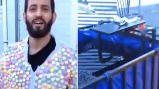 VIDEO: Hombre vestido con traje de mentos se tira a una piscina de Coca Cola