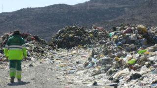 Trabajadores de limpieza hallan bebé quemado en basural de Huancavelica