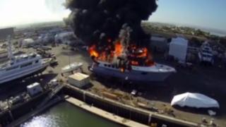 VIDEO: drone capta incendio de un yate valorizado en 24 millones dólares