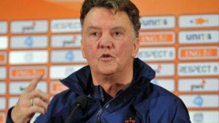 Técnico de Holanda criticó a la FIFA por nivel de arbitrajes