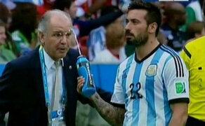 VIDEO: Lavezzi tiró agua a Sabella cuando le daba instrucciones