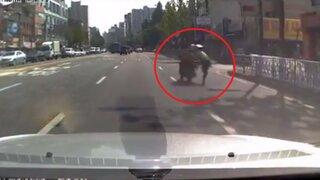 VIDEO: policía se jugó la vida para capturar a un fugitivo a bordo de una moto