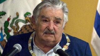 """VIDEO: José Mujica llama a la FIFA """"una manga de viejos hijos de p..."""""""