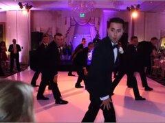 Novio sorprende a su pareja bailando como Beyoncé en su boda