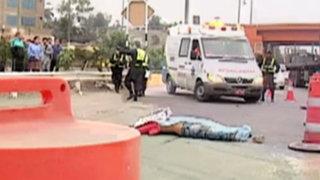 Sujeto es atropellado tras cruzar vía Evitamiento sin utilizar puente peatonal