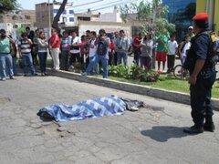 Sujeto murió tras ser arrollado por taxista en San Juan de Miraflores