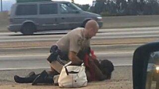 Estados Unidos: policía golpeó a una mujer por negarse a detención