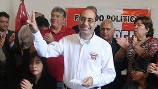 Fernán Altuve pide que Luis Castañeda Lossio continúe en carrera electoral