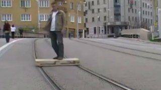 Eslovaquia: crean novedoso medio de transporte hecho a base de madera