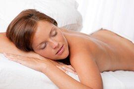 FOTOS: 12 razones por las que usted, señorita, debe dormir desnuda