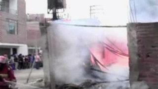 SMP: incendio destruyó vivienda que servía como almacén de reciclador