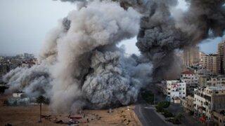 Israel intensifica sus bombardeos contra  hospitales y viviendas de Gaza