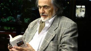 Recital del poeta Leopoldo Chariarse en el Centro Cultural Inca Garcilaso