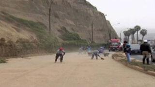 Barranco: deslizamiento de tierra afectó la Costa Verde