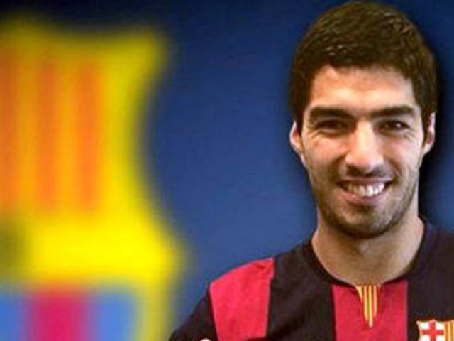 Luis Suárez fichó por el Barcelona de España por cinco temporadas