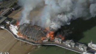 Voraz incendio consumió joya arquitectónica de la costa inglesa