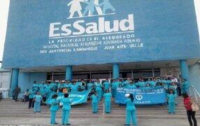 Enfermeras de Essalud reanudan sus labores tras 52 días de huelga