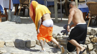 FOTOS: Justin Bieber muestra calzoncillos al tratar de huir de los paparazzi