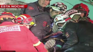 VIDEO: dos heridos al derrumbarse casona en Barrios Altos