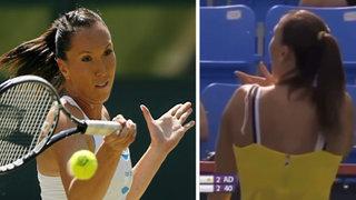 Tenista Jelena Jankovic sufrió bochornoso momento en pleno partido