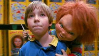 FOTOS: 26 años después, así luce hoy el niño de 'Chucky, el muñeco diabólico'